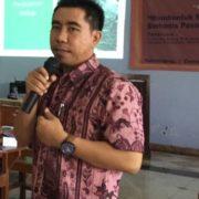 Kang Ali memberikan Materi di Unhasy Jombang
